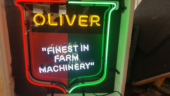 NEW OLIVER NEON LIGHT, NO SHIPPING