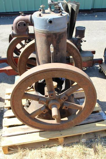 Believed to be Bates & Edmonds? Early Vertical Gas Engine Approx 3-4HP