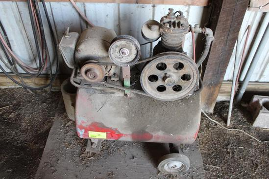 PORTABLE OLDER AIR COMPRESSOR, NOT TESTED