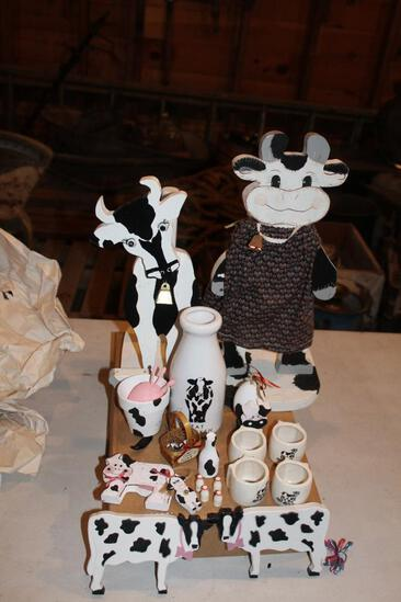 (2) Cow paper towel holders and cow collectibles