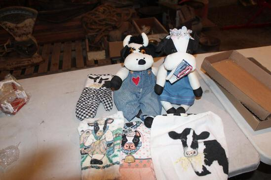 (2) Stuffed cows and cow hand towels