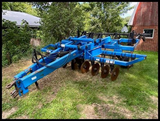 "DMI 527 Disk Ripper, (5) Shank, set at 24"" spacing, 7"" Points, Cover boards, Fixed Rear Disk"
