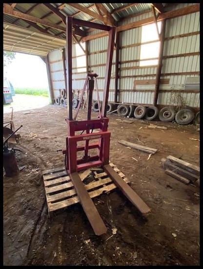"""Westendorf 3Pt Hyd Forklift, 42"""" Fixed Forks"""