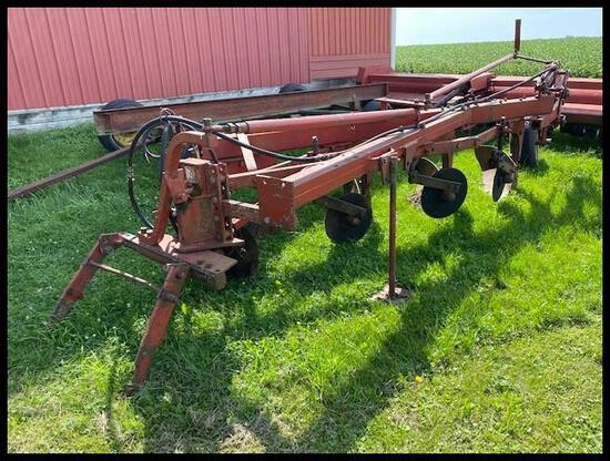 "IH 700 Semi Int Plow, 4-16"", Toggle Trip, (4) Shear Bolt Coulters, Fast Hitch or 2 Pt"