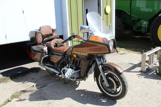 ***1982 Honda Gold Wing AspenCade GL1100 Motorcycle, Saddle Bags, 89775 Miles Showing, VIN-