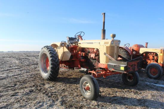 1967 CASE 930 COMFORT KING TRACTOR, DIESEL, OPEN STATION, 2 HYD, PTO, 3PT, 14.9-38'S, ROCK BOX,
