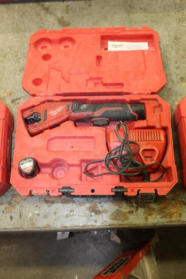 Milwaukee Cordless 12v Copper Tubing Cutter
