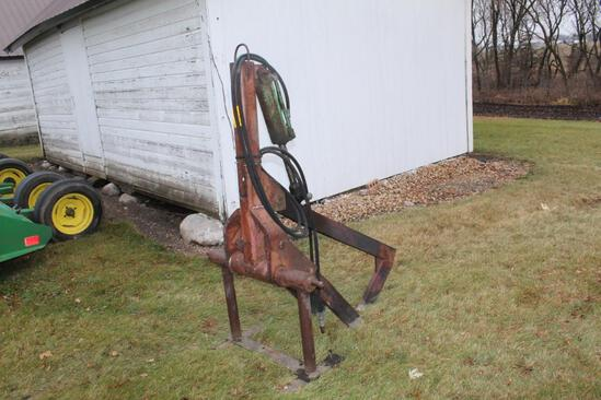 NABOR 3PT ROCK PICKER WITH STAND, HYD CYLINDER