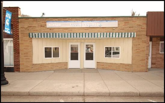 1952 29' x 80' Commercial Building With 2 Offices, Shop & Storage