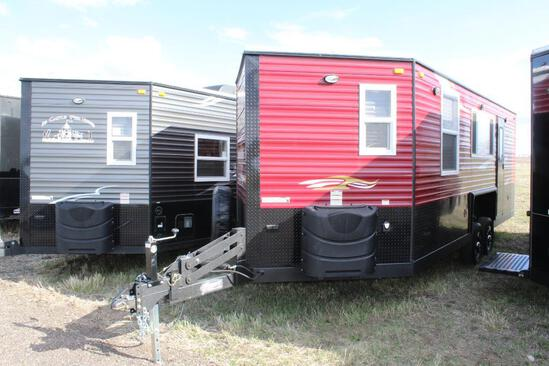 *** 2021 8'X21'V AMERICAN SURPLUS MIRAGE ICE CASTLE FISH HOUSE ON VALLEY TANDEM AXLE HYD FRAME,