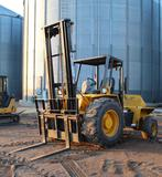 LIFTKING OFF ROAD FORKLIFT, 2WD, DIESEL, 2572 HOURS SHOWING, 60
