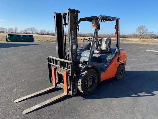 2008 Diesel Toyota Forklift, 2244 Hrs Showing at the time of listing, 6,000 Lb Machine