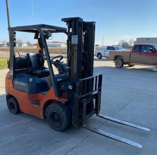 2007 Toyota Forklift, 5769 Hrs Showing, 3500 lb Machine