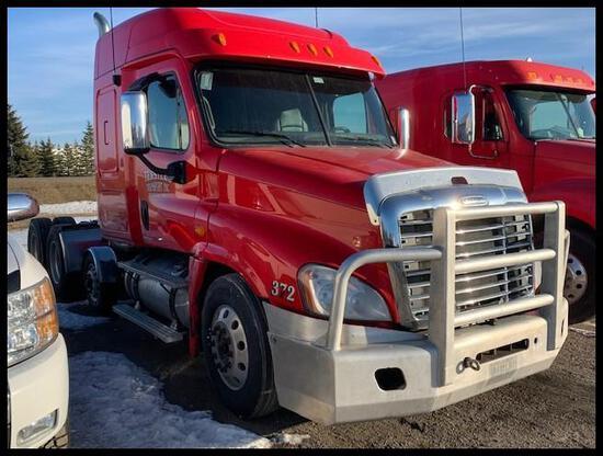 ***2011 Freightliner Cascadia Semi Tractor
