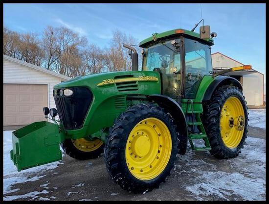 "2005 JD 7920 MFWD Tractor, IVT, AutoTrac, CommandArm, 118"" Rear Axle"