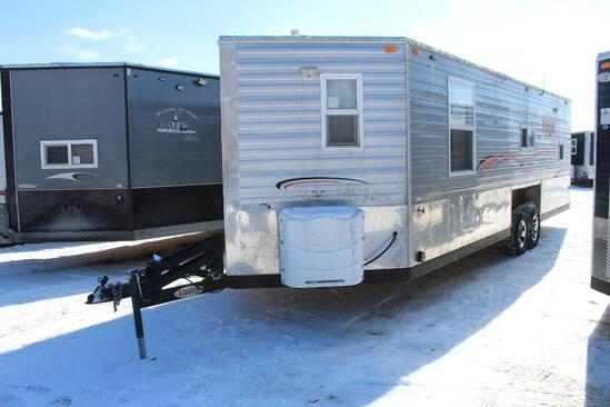 *** 2017 8' X 24'V AMERICAN SURPLUS ICE CASTLE FISH HOUSE, VALLEY HYD. TANDEM AXLE FRAME,