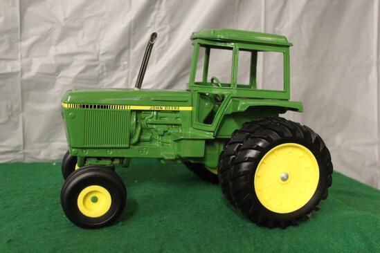 1/16 John Deere Tractor with soundguard cab, no box, custom muffler