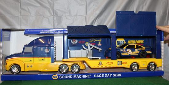 1/24 NAPA RON HORNADAY RACING DAY SEMI; BOX HAS WEAR