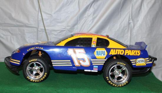 2001 CHEVY MONTE CARLO STOCK CAR; RADIO CONTROL; NO CONTROLLER; NAPA RACING; BOX HAS DAMAGE