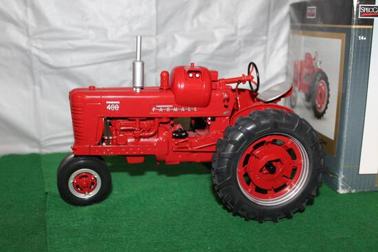 1/16 FARMALL 400 LP NARROW FRONT HIGHLY DETAILED; BOX HAS WEAR
