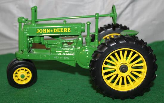 1/16 JOHN DEERE A; UNSTYLED; ONE IN SERIES CELEBRATING 25 YEARS OF GIVING; BOX HAS WEAR