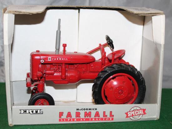 1/16 FARMALL SUPER AV, WF, SPECIAL EDITION, BOX HAS LIGHT WEAR
