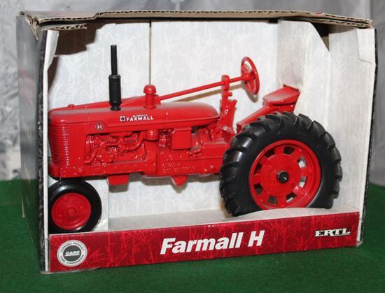 1/16 FARMALL H, 1988 CASE CORPORATION, BOX HAS LIGHT WEAR