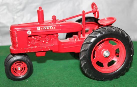 1/16 FARMALL SUPER H, SIGNED BY JOSEPH ERTL, FARM PROGRESS SHOW, NO BOX