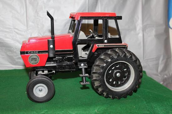 1/16 CASE IH 2594, RED, 1985 COLLECTOR'S EDITION, IN PLAIN BROWN BOX