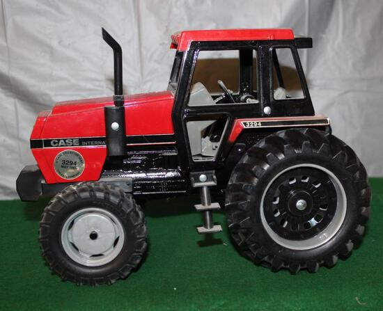 1/16 CASE IH 3294, 1985 COLLECTOR'S EDITION, IN PLAIN BROWN BOX