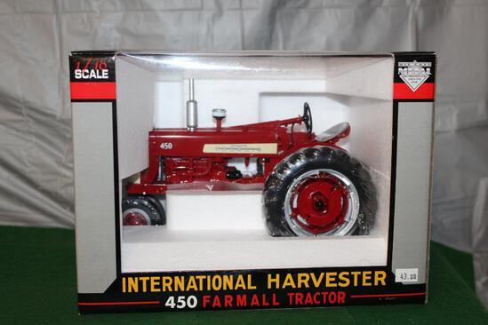 1/16 FARMALL 450, NF, GAS, BOX HAS LIGHT WEAR