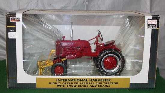 1/16 FARMALL CUB WITH SNOWBLADE AND CHAINS, HIGHLY DETAILED, CLASSIC SERIES, BOX HAS WEAR