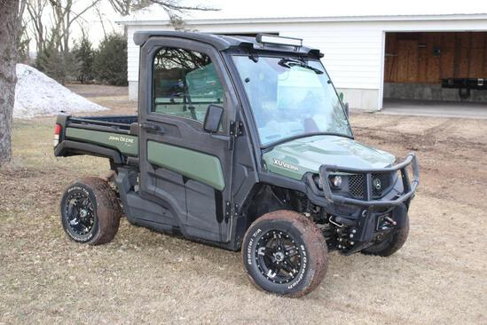 2018 JD Gator XUV835R, Enclosed Cab, A/C, Heat, 7069 Miles Showing, Front Bumper, Winch,