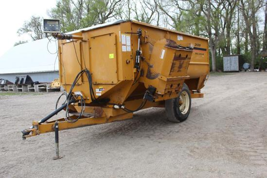 KNIGHT 3130 REEL AUGER FEEDER WAGON, 3 AUGERS, LEFT HAND DISCHARGE, WEIGH TRONIX 615 MONITOR,