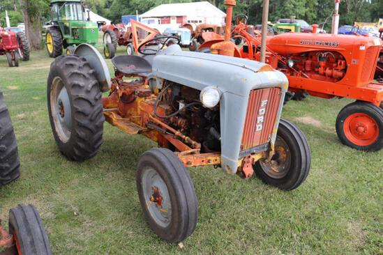 Ford Jubliee , 4094 Hrs Showing, Fenders, Lights, WF, PTO, 3pt (No Top Link), 2 Hyds, 12.4x28 Rears,