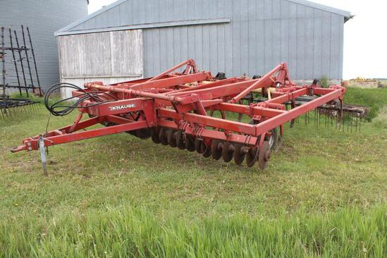 KRAUSE MODEL 4814 APPROX 17' DISC CHISEL, TWISTED SHOVELS, WALKING TANDEMS,