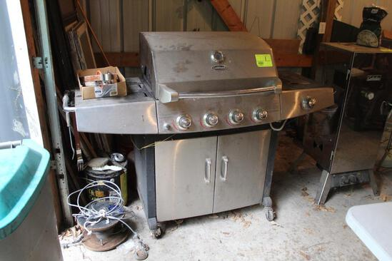 UNI-FLAME 4 BURNER GAS GRILL WITH TANK