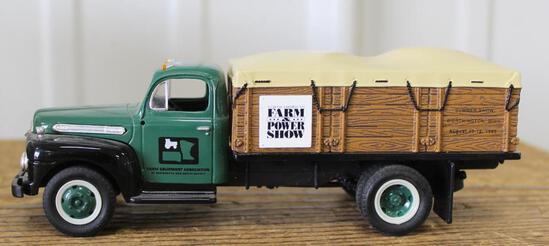 1/34 1951 FORD F6 GRAIN TRUCK, NORTH AMERICAN FARM SHOW, NEW IN BOX