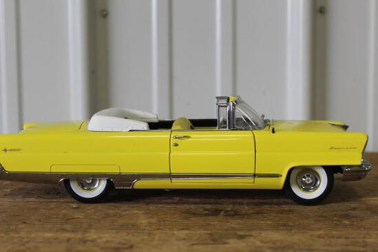 1/18 1956 LINCOLN PREMIERE, 2 DR, CONVERTIBLE, LOOSE IN BOX