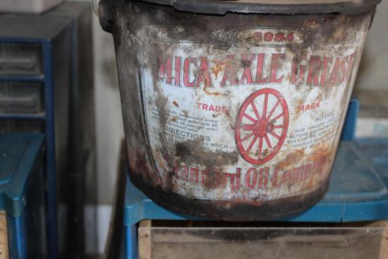 MICA AXLE GREASE STANDARD OIL COMPANY METAL GREASE PAIL
