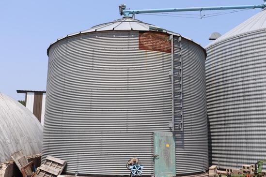 "Circle 27' Diameter Grain Bin, 7 Ring, 18'7"" Eave, Ladder, Approx 10,000 Bu"