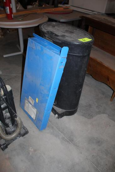 Portable Show Display in Case, Eureka Bagless Vacuum Cleaner