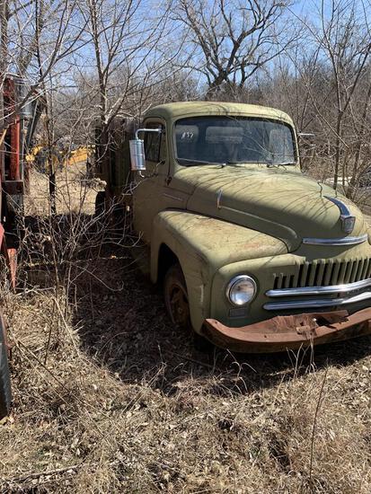1950 International 1 ton Dump Truck