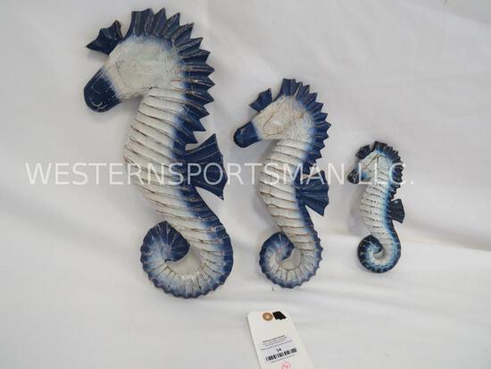 3 WOODEN SEAHORSES (3x$)