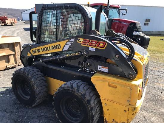 New Holland L220 Skidloader