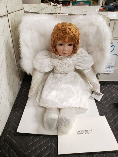 """NEW JCS COLLECTION PORCELAINE DOLL WITH COA """"CLAIRE"""" BY JOANNE C. SCHNEIDER"""