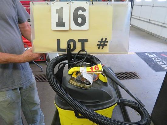 Stanley 3 HP Wet or Dry Shop Vacuum 3 Gallon