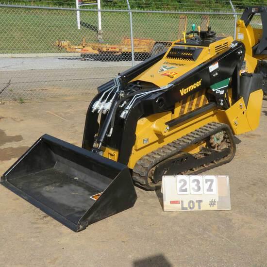 Vermeer CTX 100 Mini Skid Steer w/3-Cyl. Kohler Diesel Engine, 393 Hrs., S/N 1YRZ080H5K1001900