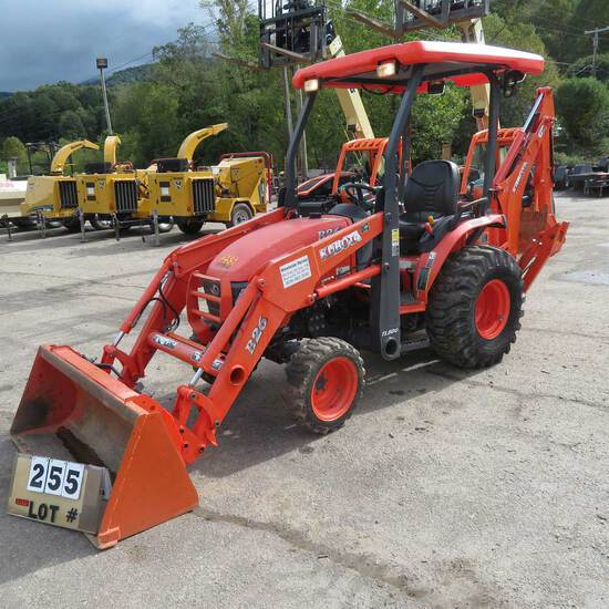 Kubota B26 4WD Tractor w/TL500 Front End Loader & BT 820 Back Hoe Attachment, S/N 55256