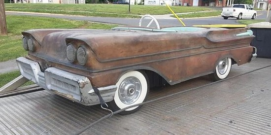 """1958 Mercury M Power Car.Styled after Mercury's Turnpike Cruiser.Features """""""